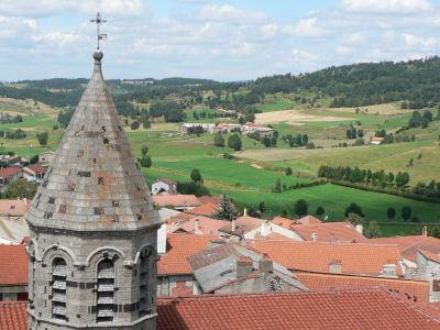 Le village de Saugues en Haute-Loire