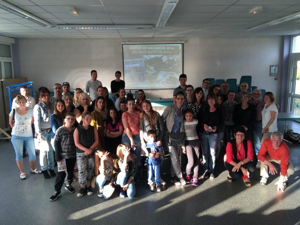 Enfants, parents, animateurs et bénévoles réunis pour la présentation de la colo 2016 du CLéA !